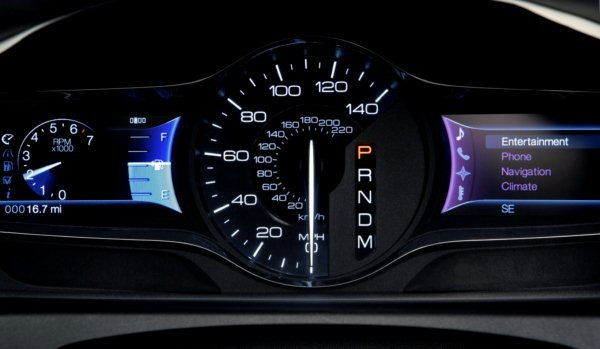 2011_Edge_MyFord_Touch_10_Instrument_Cluster