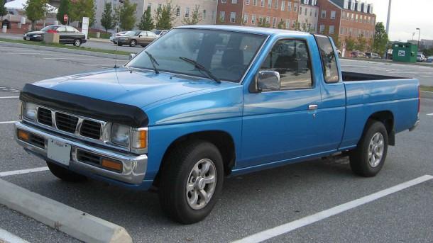 1024px-Nissan-Hardbody-extcab